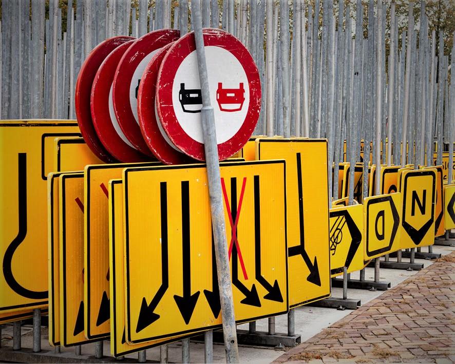 Afzetmaterialen - Verkeersregelaars inhuren - Zwambag verkeerstechniek